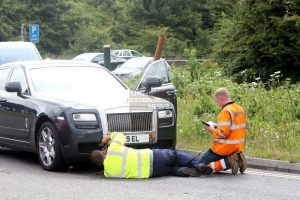 owner abandons 300k broken down rolls royce on the a27 in chichester 3