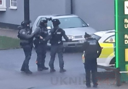 armed police spotted entering bp garage in crawley 2