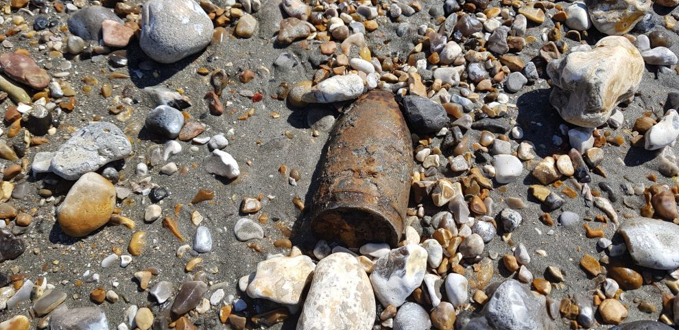 Ordnance find closes Bracklesham beach