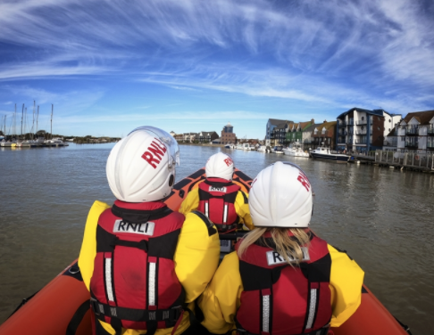 Dog rescue kicks off triple-shout Saturday for Littlehampton RNLI