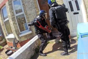 Police in Arun are conducting targeted work to deter drug dealers from settling in the area.