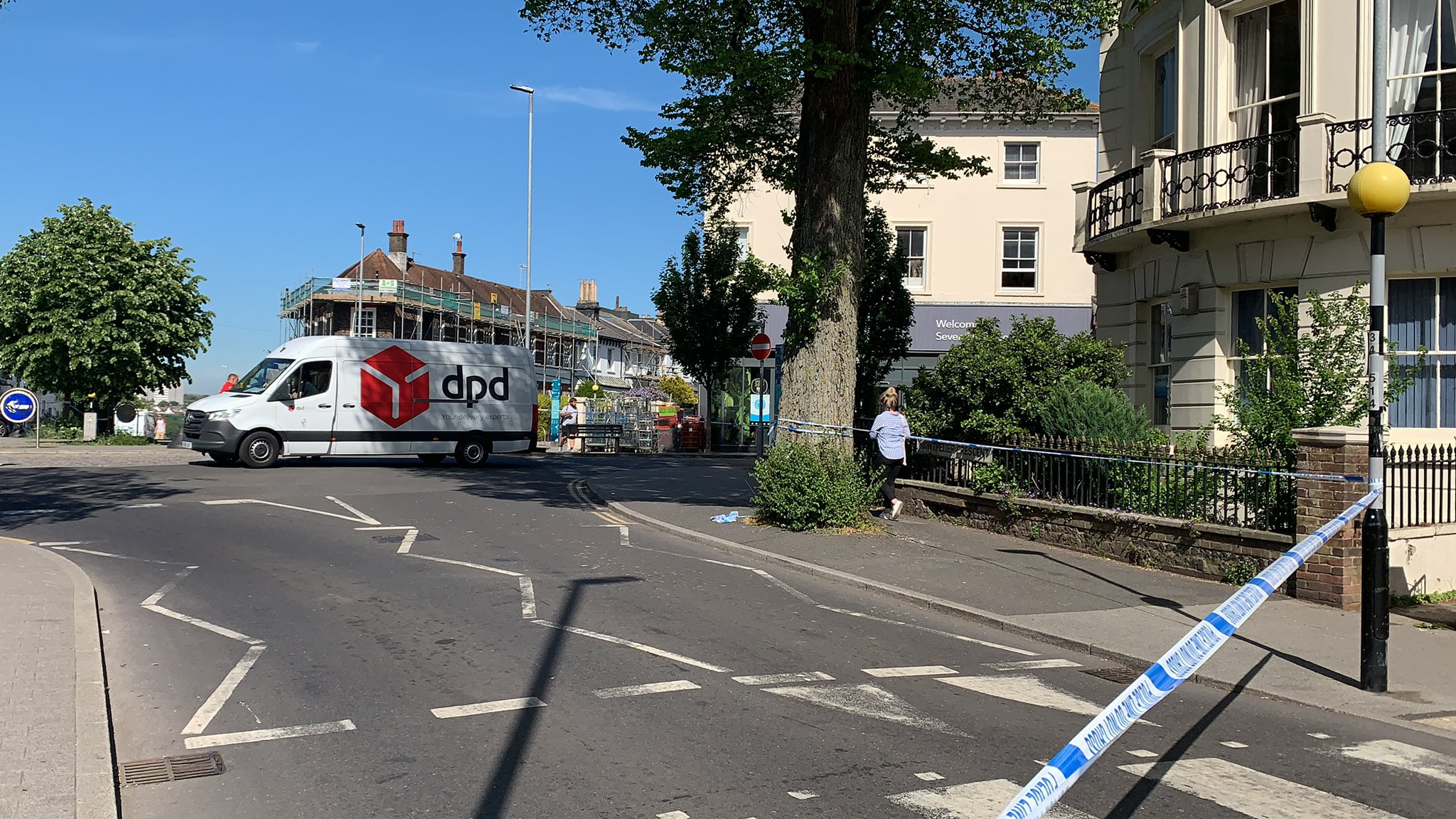 Road closed due to a Police incident at Severn Dias Brighton