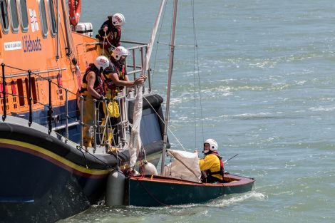 Coastguard and Lifeboat scrambled to capsized Dingy in Newhaven Port