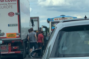 UPDATED M25 crash: Ice cream van serving drivers stuck in standstill traffic